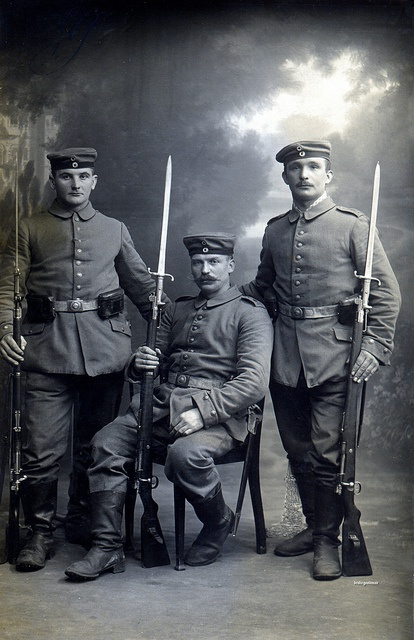 Studio portrait depicting three artillerymen from 2. Rheinisches Feld-Artillerie-Regiment Nr.23 taken in Mülhausen early 1915