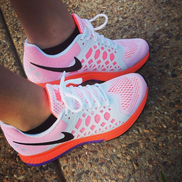 Women's Nike Air Zoom Pegasus 31 Running shoes // White&Neon Orange #Nike #RunningCrossTraining