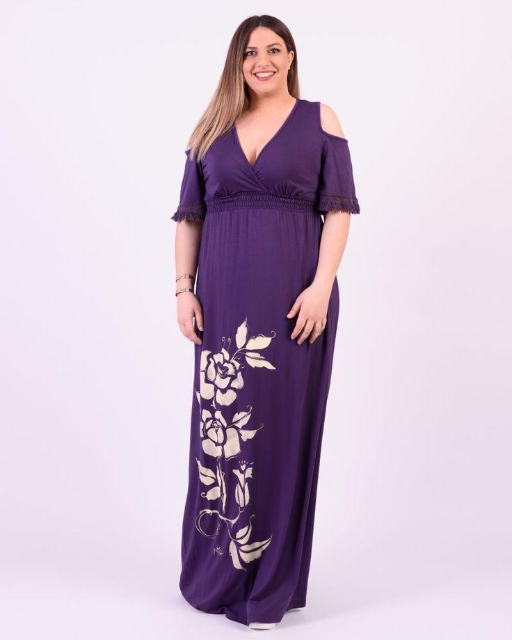Φόρεμα της Fuego Fashion με ζωγραφική στο χέρι/τριαντάφυλλα. Διαθέτει cold shoulder λεπτομέρεια, λάστιχο κάτω από το στήθος και applique τρέσα γύρω από τα
