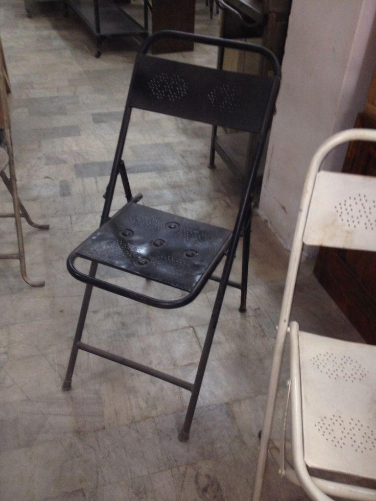 Klapstoelen nieuw in zwart en wit verkrijgbaar www.evenaar.org