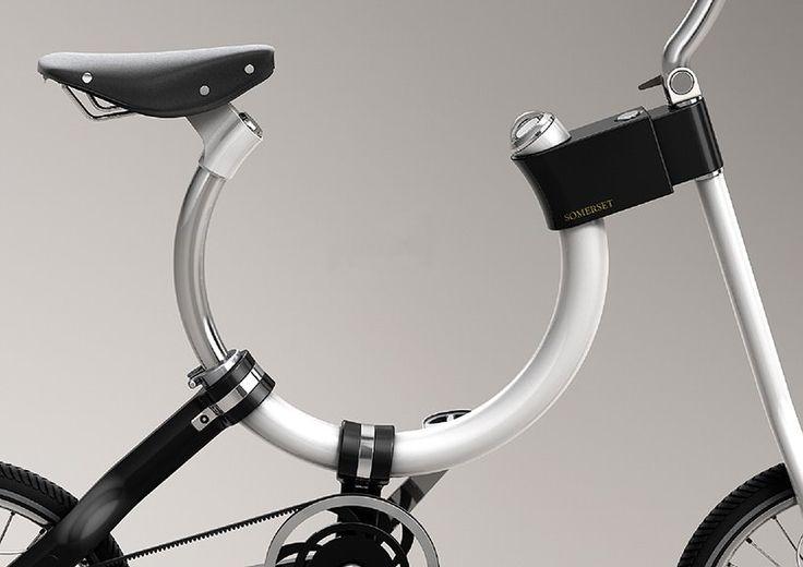 Городской велосипед с авангардным дизайном, позволяющим сохранять мобильность в городском транспорте.