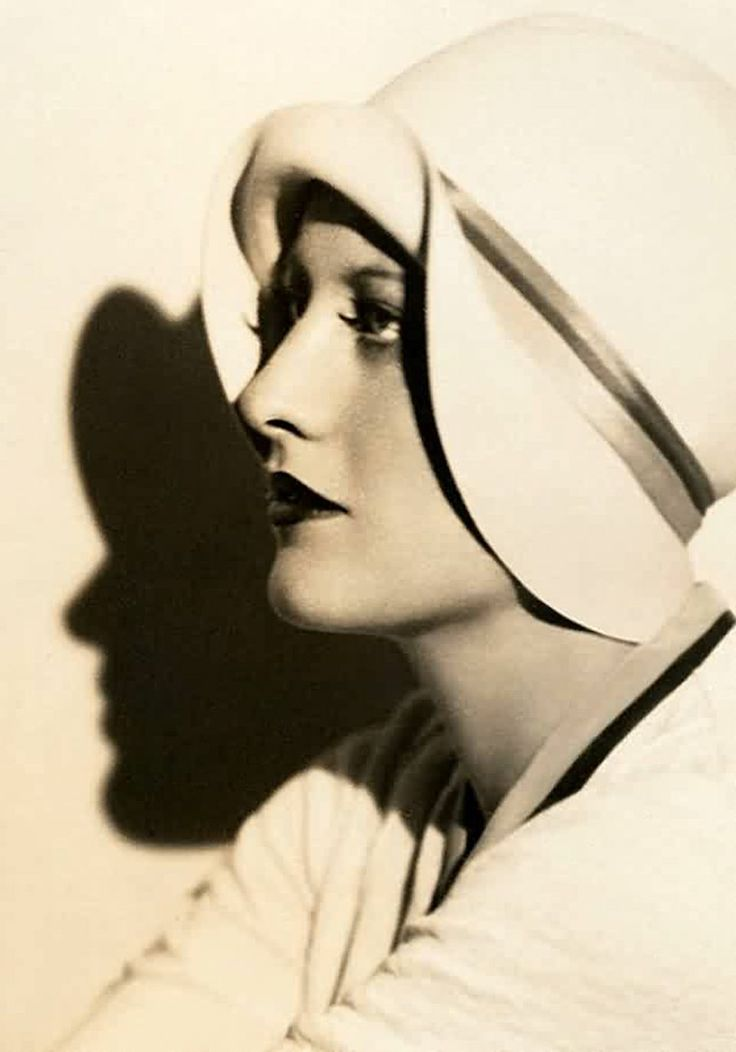 Joan Crawford - 1928 - Photo by Ruth Harriet Louise