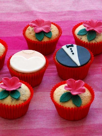 Forlovelsescupcakes eller bryllupscupcakes fra Bageglad.dk