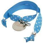 Detalle para invitados. 6 pulseras cinta azules topos precio 6 euros grabada con nombre!