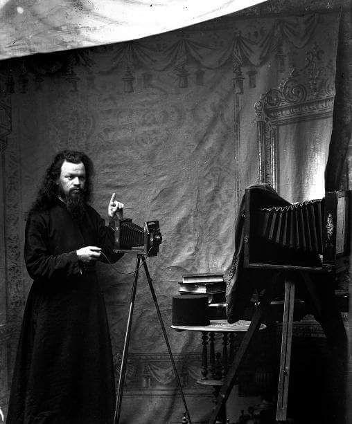 Άγιον Όρος. Ο Μοναχός Προκόπιος χρησιμοποιεί για πρώτη φορά το 1902 την φωτογραφική μηχανή