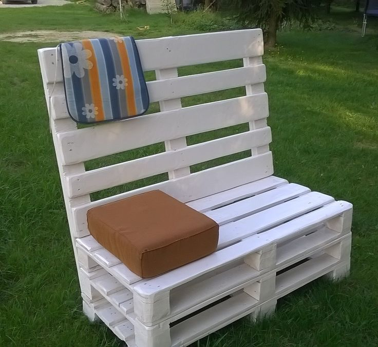 17 best ideas about skid furniture on pinterest pallet for Skid pallet furniture