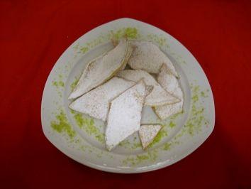 Muzen / Scherben. A traditional recipe from Köln/Bonn area. Usually made and eaten during Karneval season.