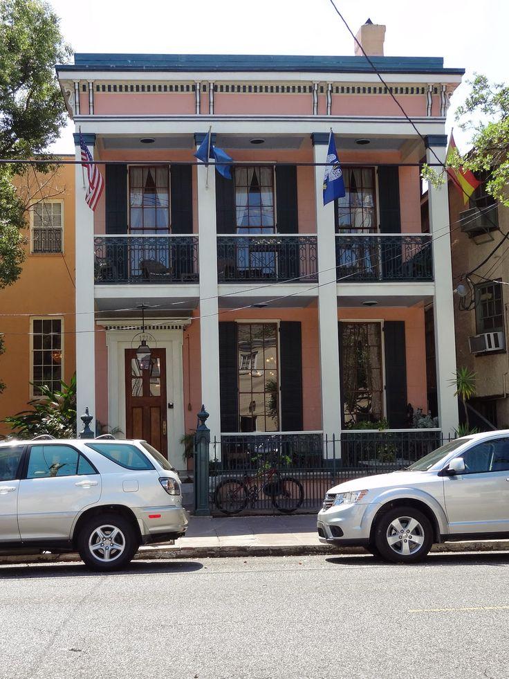 Parisian Courtyard Inn, New Orleans.