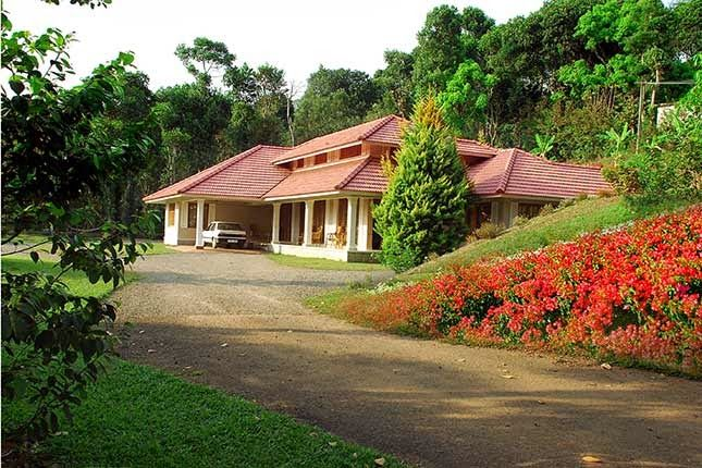 Pepper County Homestay in Kumily http://www.padhaaro.com/blog/top-10-homestays-india/