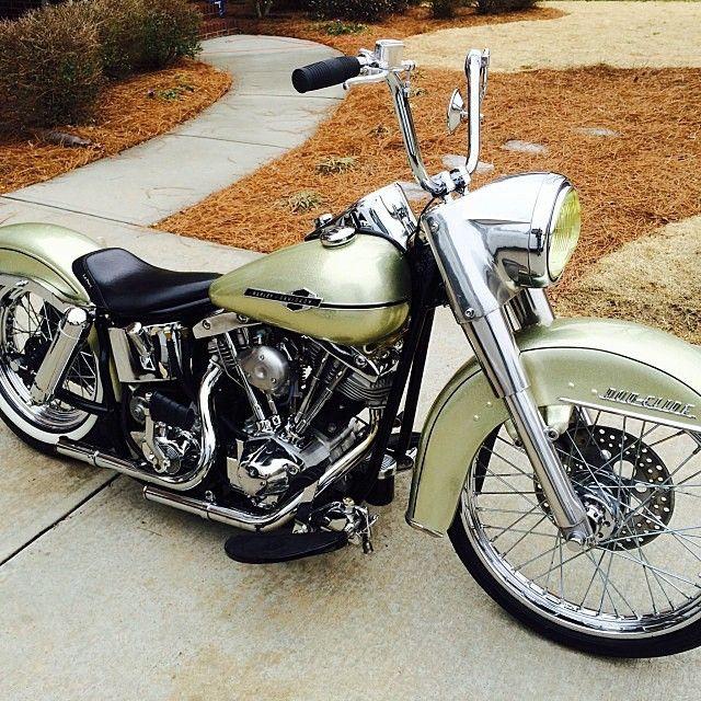 OLD SCHOOL CHOPPERS — @randfall97 Beautiful bike! #harley...