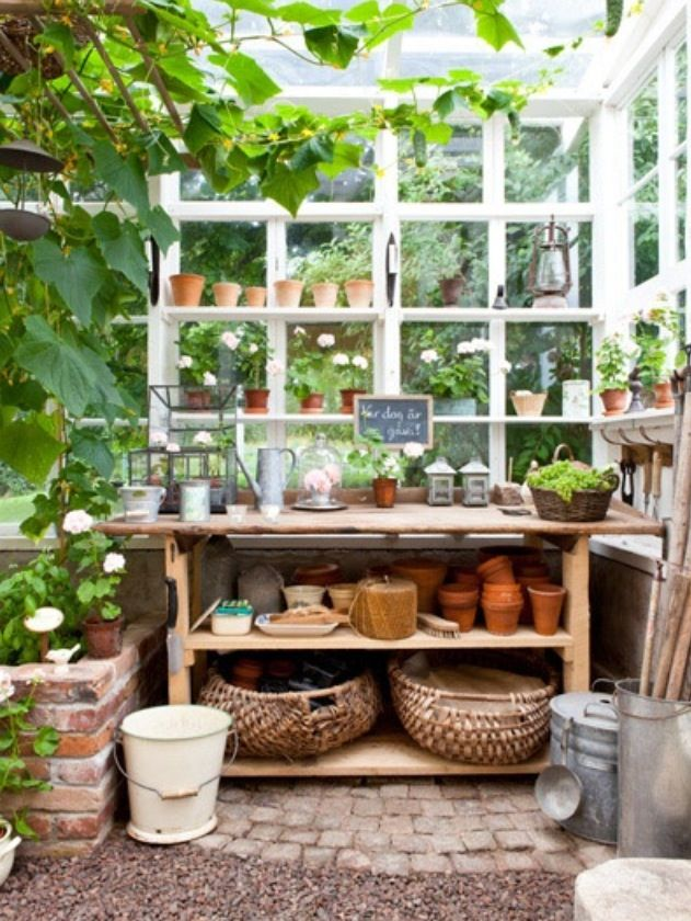 Potting shed! I could do some potting in here