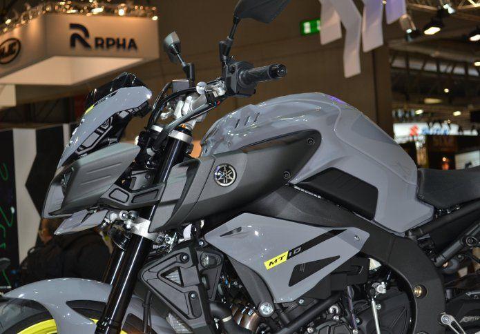 Yamaha MT-10: the Dark side of Japan a Eicma 2015 Presentata in occasione di EICMA 2015 dal campione del mondo...