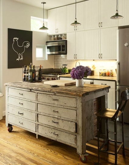 Who wants a standard kitchen island? #kitchen #novogratz #vintage #rooster
