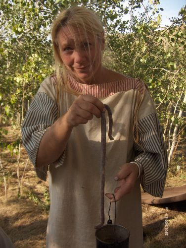 Aux Alimente DuPay (Living off the land) http://www.womenofthefurtrade.com