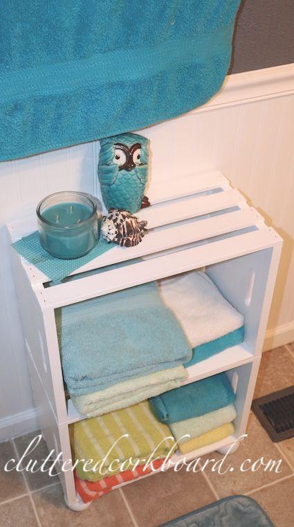 Budget Friendly Holzkiste DIY Regal / perfekte Projekt für ein kleines Bad / be …   – Home Decor