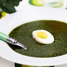 Spenatsoppa med ägg - Recept - Tasteline.com