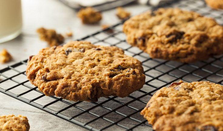 Μαστιχωτά cookies με βρώμη και σταφίδες