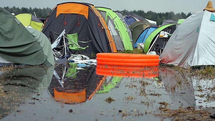 Erneute Unwetterwarnung auf dem Hurricane: Besucher sollen in ihre Autos / Southside abgesagt   Hurricane Festival 2016
