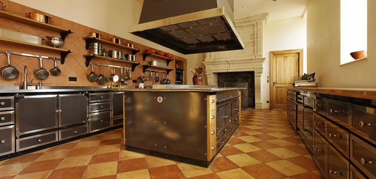 15 must see la cornue pins stoves white marble kitchen and gold kitchen. Black Bedroom Furniture Sets. Home Design Ideas