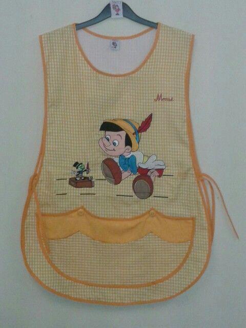Mod. Tradicional Mascota amarilla Bordado.Pinocho