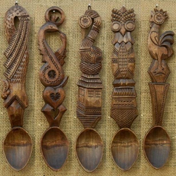 http://www.casamea.ro/galerie/decor-autentic-romanesc--lingura-cioplita--simboluri-si-valori-traditionale-12935/img/2