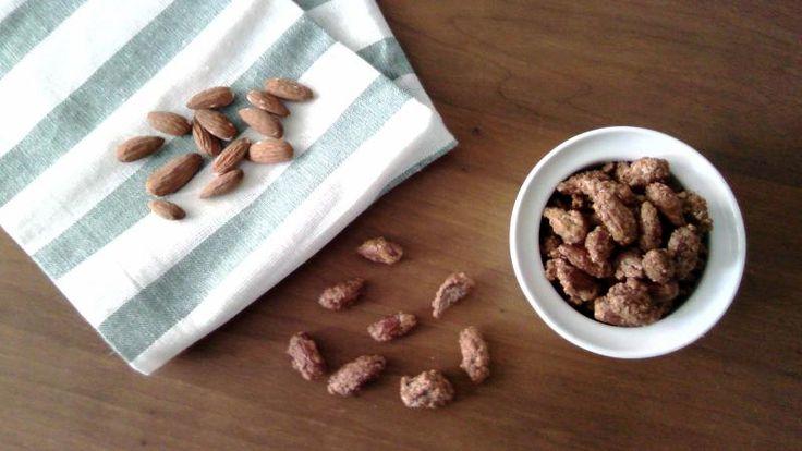 Receta de Almendras Garrapiñadas caseras paso a paso. Esta misma receta se puede usar para hacer Garrapiñadas de Maní o Cacahuetes con las mismas proporciones.