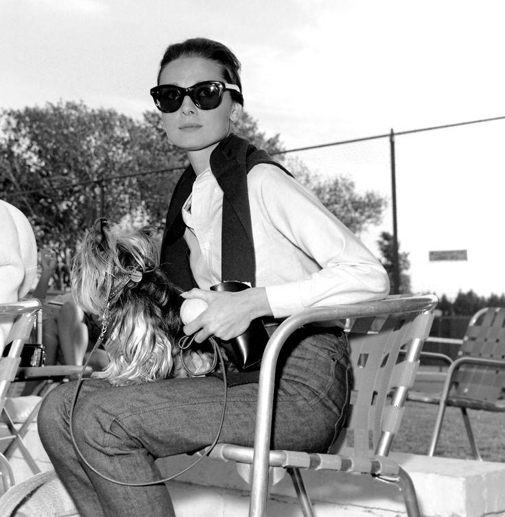 Trends Hashtags: Audrey Hepburn y sus gafas de sol