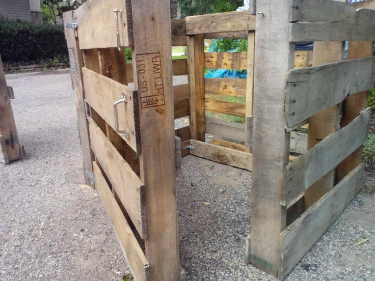 Compost bin made from wood pallets....need to do this!!