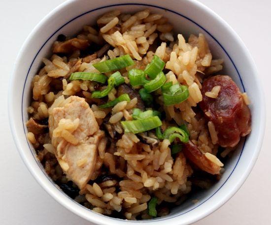 Рис по-китайски с курицей и грибами шиитаке