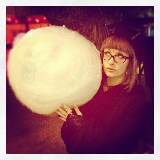 @sugar_freedoms photo: Last night while showing @tully_design the Garden of Unearthly Delights, we found a #fairyfloss wizard who was making giant spiral #galaxies made of #sugar :D #adelaidefringe #sugarpocalypse #adventures