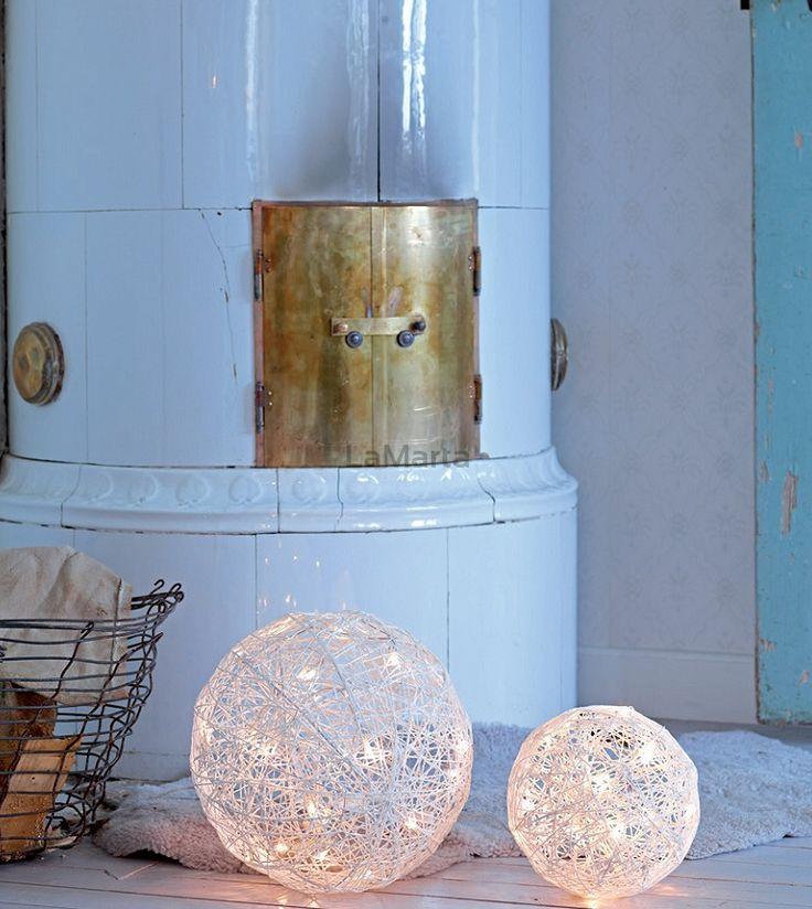 703124 DEKORACJA BOLLEBO LED BIG ŚWIĘTA 30 x 30 x 30 cm 20 LED