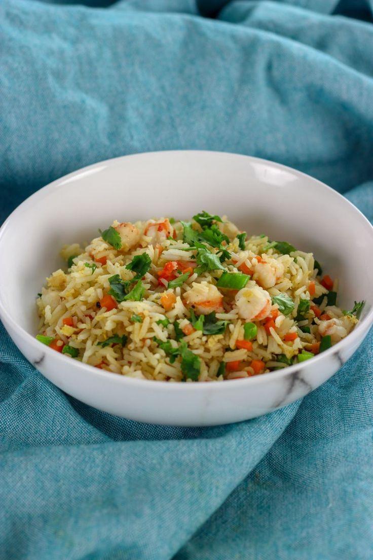 """Het lekkerste recept voor """"Gebakken rijst met scampi"""" vind je bij njam! Ontdek nu meer dan duizenden smakelijke njam!-recepten voor alledaags kookplezier!"""