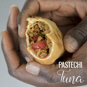 Ons recept voor authentieke pastechi tuna (Antilliaanse tonijn pastei) doet 't goed op elk feestje. Je maakt deze traditionele snack nu lekker zelf!