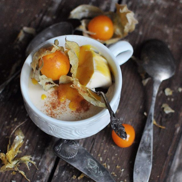 Here's my Friday night coconut panna cotta with mango and cinnamon.