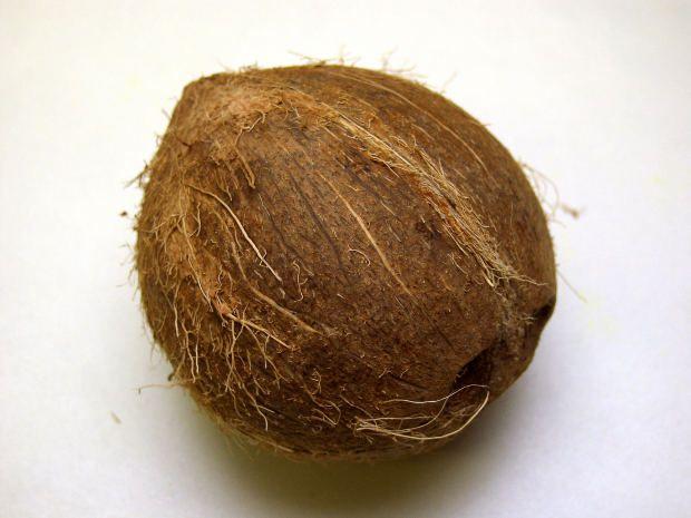 Beauty Blog: DIY Coconut Hair Mask Repairs Damaged Hair