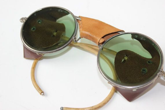 Vintage Sunglasses Pilot Goggles WWII US Military by thegypsygoat #vintage #pilot #goggles