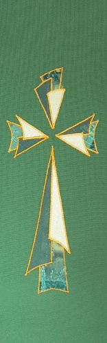The Ambo and vestments are green for ordinary time.