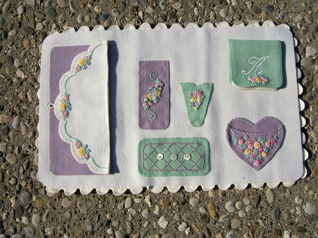 Sewing Hussif - Kris - Picasa Web Albums: Picasa Web, Manualidades Fieltro Tela, Quilts Sewing Kits, Needlework Accessories, Pincushions Needle, Needle Books, Felt Crafts, Crosses Stitches, Needle Cases