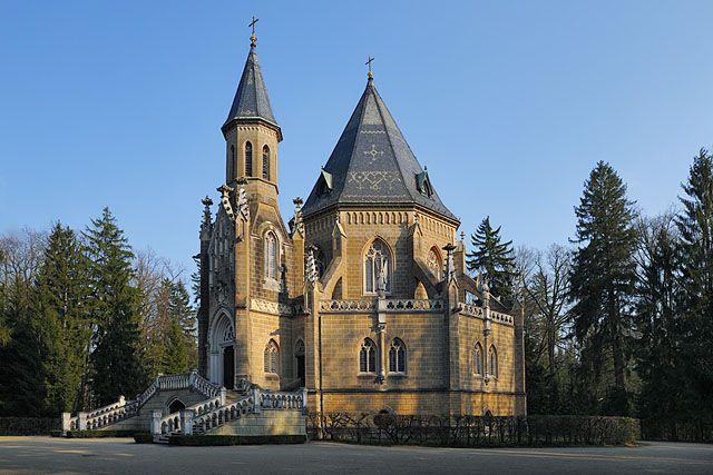 Schwanzenberská hrobka, u Třeboně - Novostavba