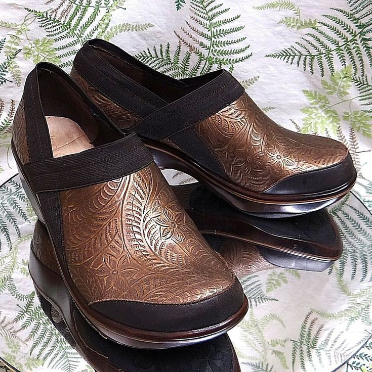 JAMBU BROWN LEATHER LOAFERS SLIP ONS DRESS WORK SHOES HEELS WOMENS SZ 10 M #Jambu #Heels #WeartoWork