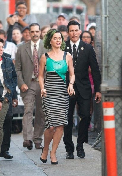 Katy Perry Photos Photos - Katy Perry heads to 'Jimmy Kimmel Live!' in New York City. - Katy Perry Heads to 'Jimmy Kimmel Live!'