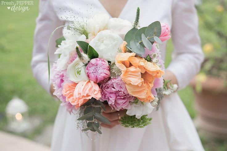 Bouquet sposa papaveri e peonie