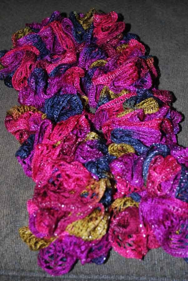 Best 25+ Sashay scarf ideas on Pinterest | Sashay yarn ...