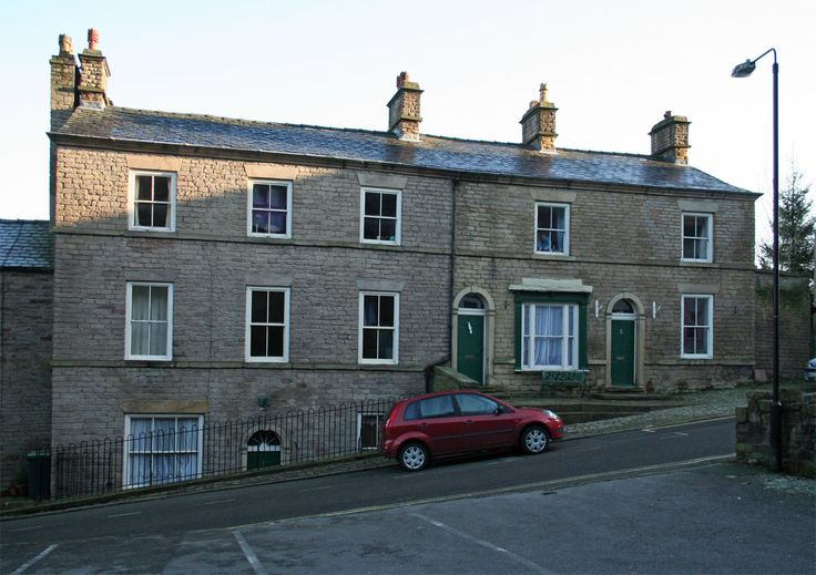 new mills derbyshire history | File:Former George Hotel, New Mills.JPG - Wikimedia Commons