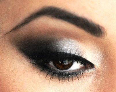 Romantic Smokey Grey Eyeshadow Tutorial   AmazingMakeups.com