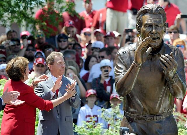 University of Alabama Crimson Tide - dedication of statue of Lou Saban -as Head Coach and his wife