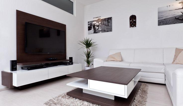 Designová televizní stěna v obývacím pokoji