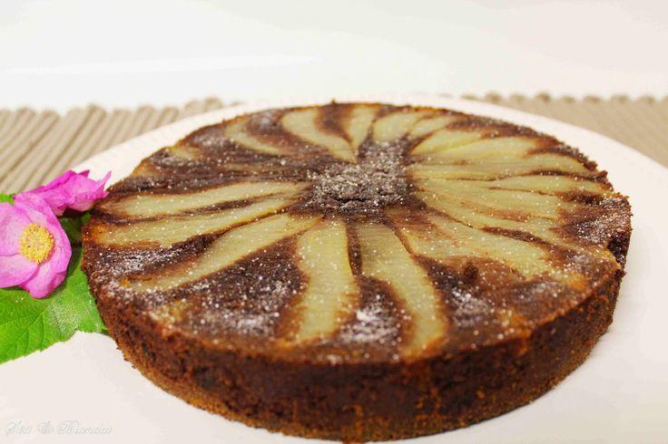 En underbart saftig och god kaka från tidningen Hembakat. Den är upp och nedvänd med päron och mintchoklad i. Det här blir en favorit!...