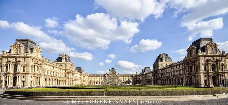 THE LOUVRE AND COUR NAPOLEON