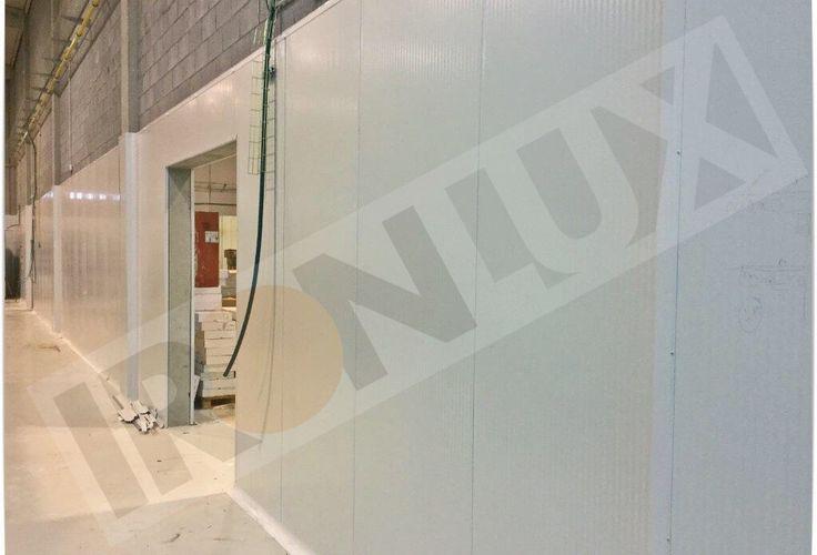 Aplacado en fachada empresa panificadora con panel fachada tornillo visto 30mm  y perfiles de PVC sanitarios